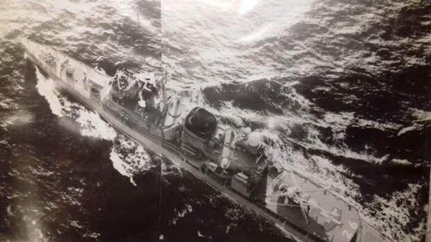 Рабочие будни. В объективе эсминец ВМС США.