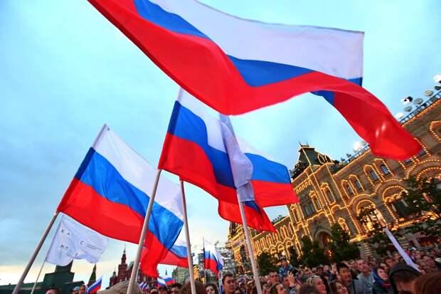 Выходные в июне 2021 года: работаем ли в День России, сколько отдыхаем, будет ли 11 июня сокращенным днем