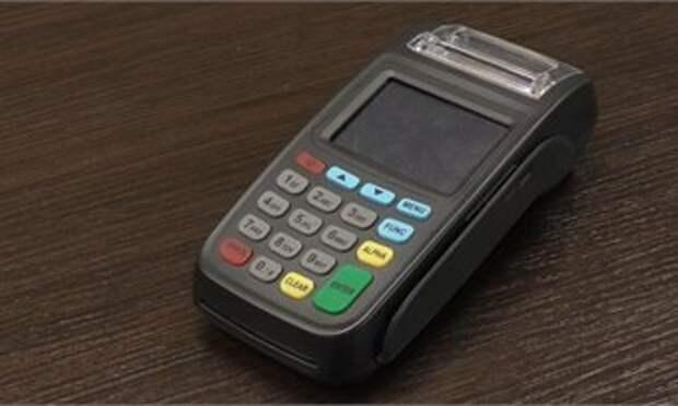 Кондукторам кировского АТП начали выдавать новые терминалы для приёма безналичной оплаты