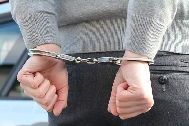 На Астрадамской задержали наркоторговца