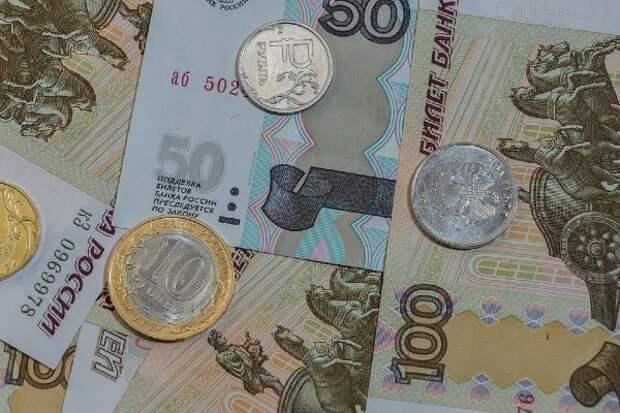 Россияне рассказали сколько дают детям на карманные расходы