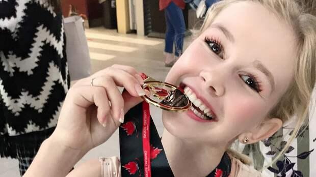 Русская фигуристка изсборной Польши Куракова выиграла турнир вКанаде. Она тренируется сМедведевой