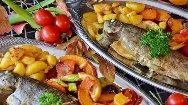 Врачи перечислили повышающие вероятность инсульта пищевые привычки