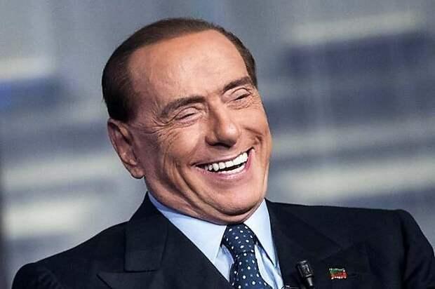 Берлускони бросил свою любовницу, которая была на 50 лет его младше, и завел другую, помоложе