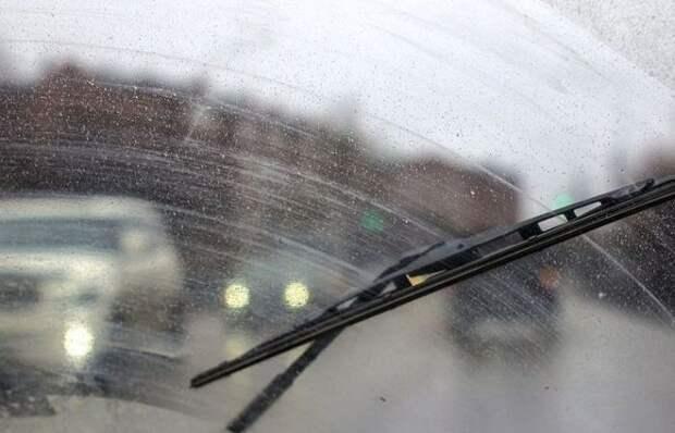Простое объяснение, почему мажут даже новые стеклоочистители по лобовому стеклу