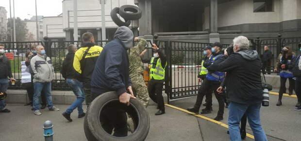 Вашингтон подавляет украинский «бунт на коленях»