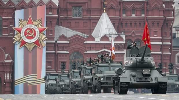 Guardian: несмотря на эпидемию, Россия готовится к параду Победы