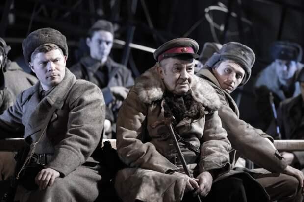 Жизнь и смерть «В окопах Сталинграда»: монологи о войне в МХТ им. Чехова
