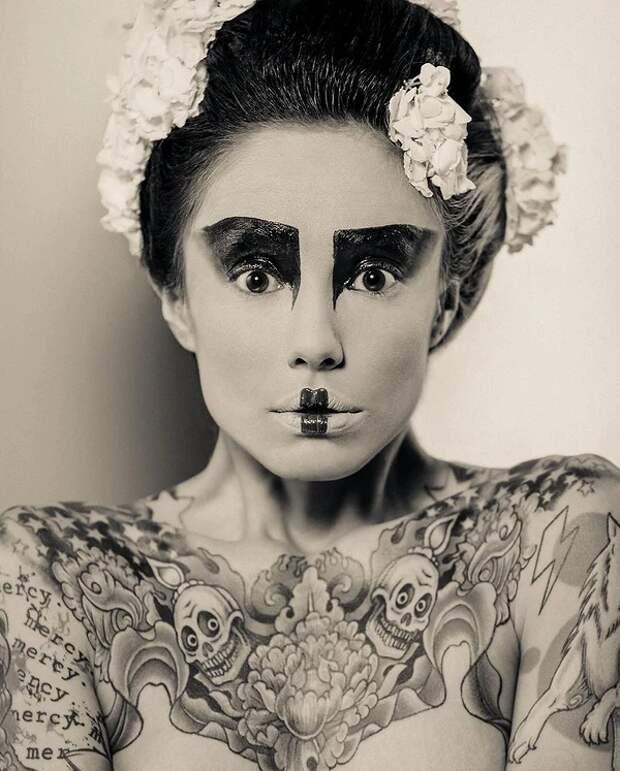 Прекрасные девушки иихтату: 32 черно-белых фото, пропитанных чарующей эстетикой