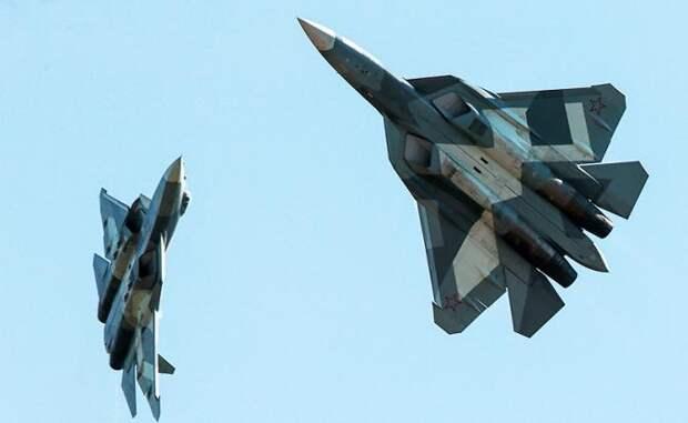 На фото: истребители Су-57