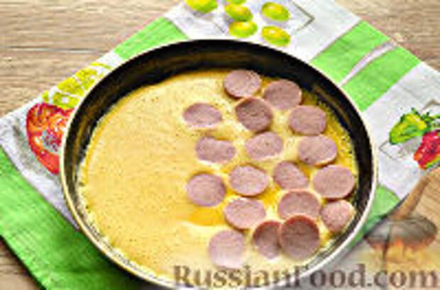 Фото приготовления рецепта: Бризоль с сосиской и сыром - шаг №8