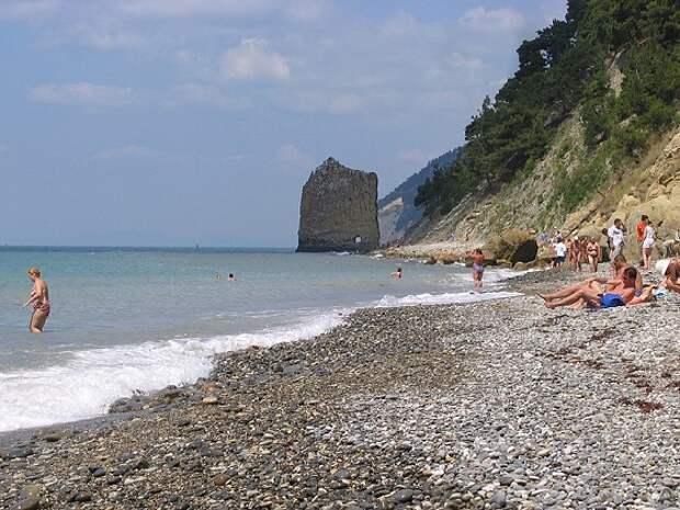 Азовское или Чёрное море: где опаснее всего купаться