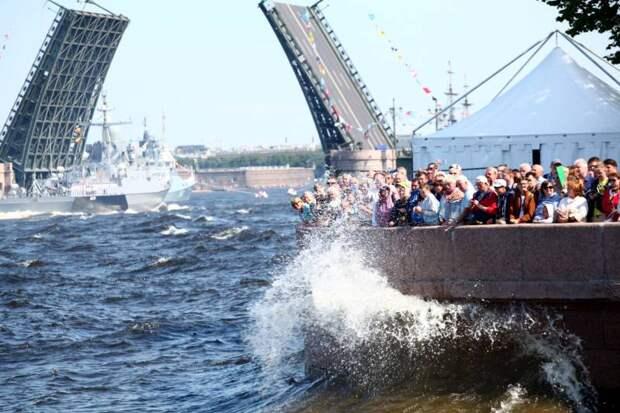 Парадный блеск и боевая эффективность. О Главном военно-морском параде и не только