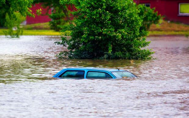 Автомобиль в «тотал»: стихия способна на все!