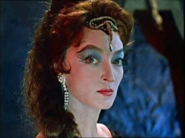 Волшебная птица Феникс: Почему Лидия Вертинская сыграла всего 5 ярких ролей в кино и исчезла с экранов
