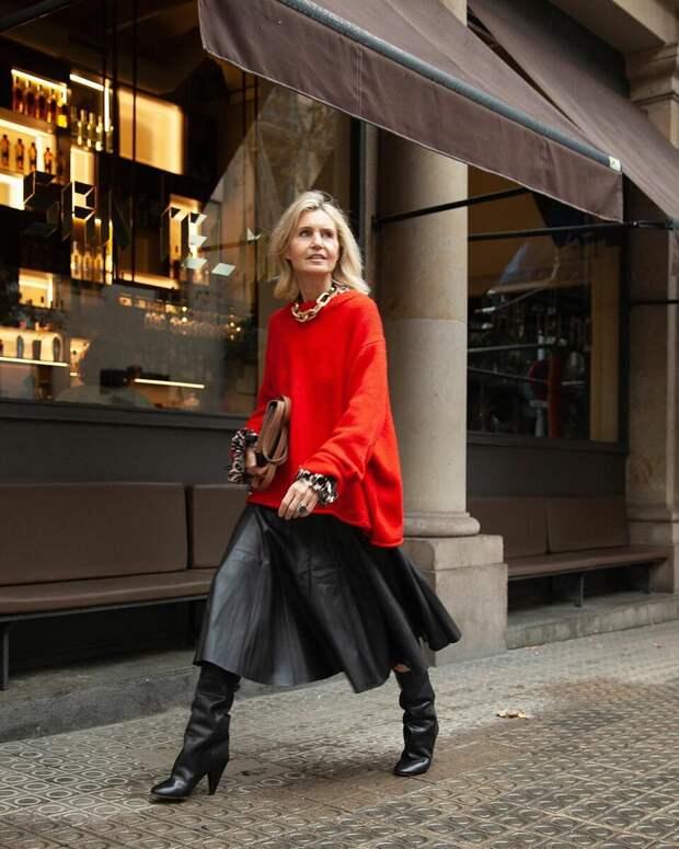 Какие модные тренды носят в Испании? 10 образов испанского блогера 50+