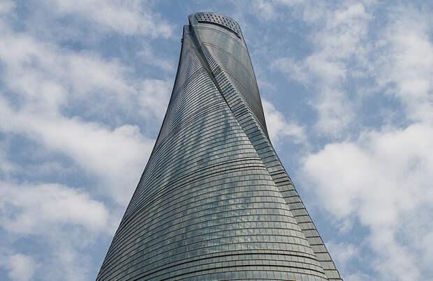 В Шанхае открылся самый высокий в мире отель.