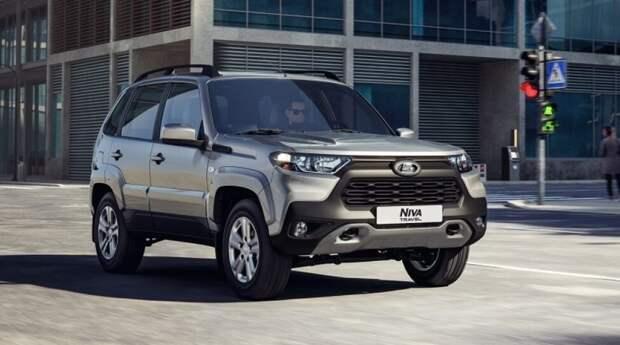 АвтоВАЗ объявил цены на обновленную Lada Niva Travel с дизайном Toyota RAV4