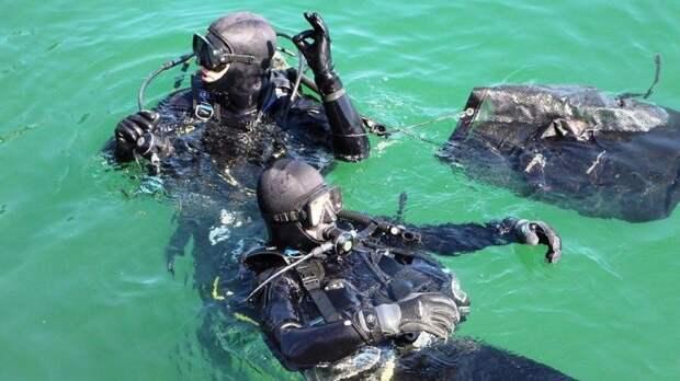 Водолазы извлекли тела утонувших в реке жителей Гусева