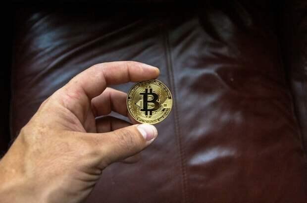 Эксперт объяснил причины роста биткоина
