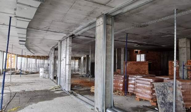 Уже видны классы: Злобин показал, как продвигается строительство «Школы 800»