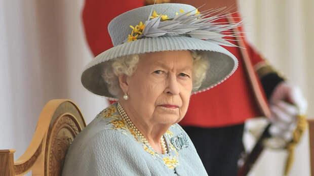 The Sun: королева готовит ответные меры против принца Гарри и Меган