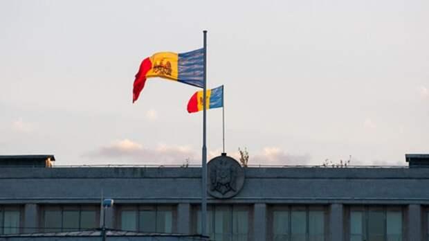 Забрав у Молдавии ключевой порт Джурджулешты за долги, Запад убил двух зайцев