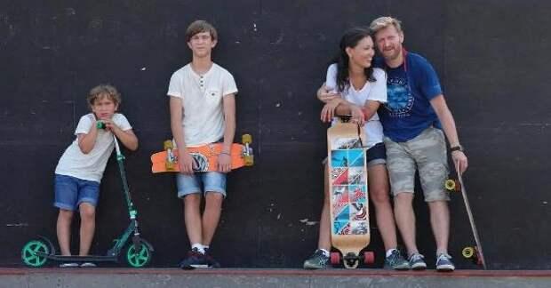 Как выглядят жена-татарка и трое детей Юрия Рожкова