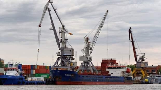 Путин подивился тому, что в порту Оля до сих пор саботируется строительство