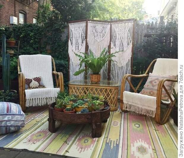Ширма защитит вас от любопытства соседей. Фото с сайта https://home-and-garden.livejournal.com