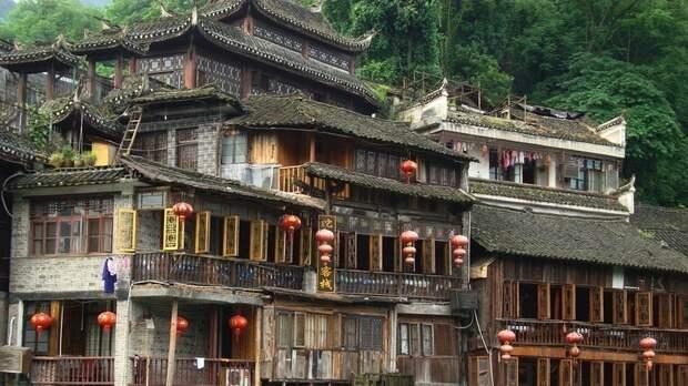 Китайский город Фэнхуан, который выглядит так же, как и семьсот лет назад