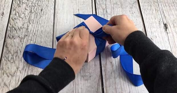 Три простых способа сделать красивый подарочный бант из ленты