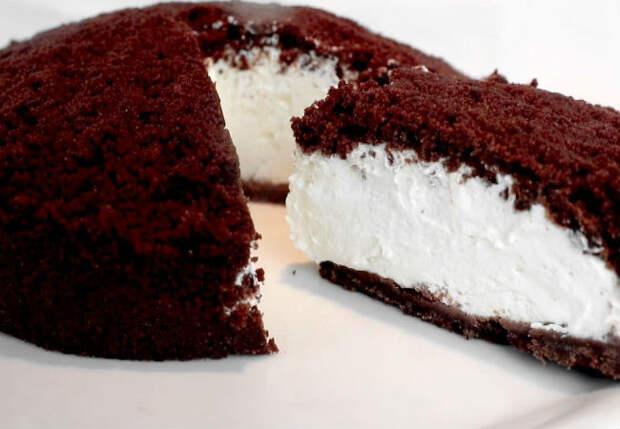 Замораживаем 400 граммов йогурта и делаем шоколадный торт без выпечки и коржей