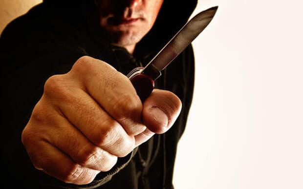 Поймана банда грабителей, нападавших с ножами на таксистов