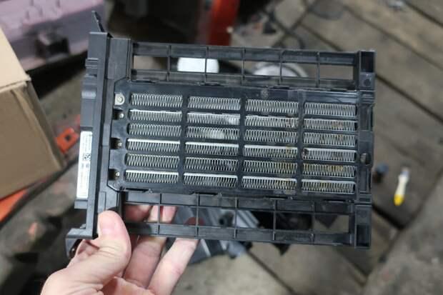 вот так выглядит электрический радиатор на примере одной из моделей VAG
