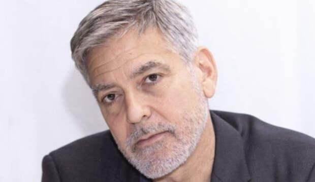 Джордж Клуни рассказал, как вместе с детьми разыгрывает супругу