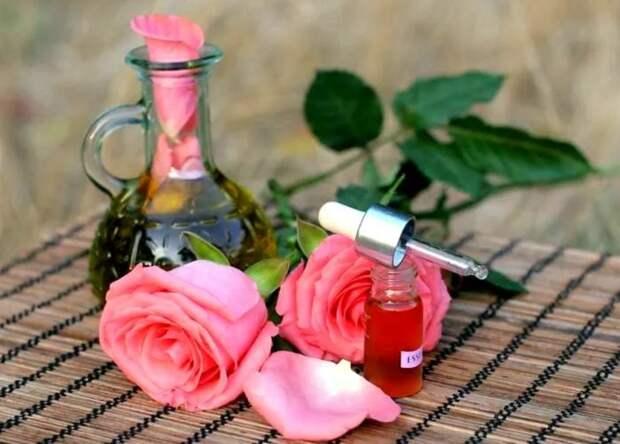 Розовое масло - природный антистатик. / Фото: Zen.yandex.com