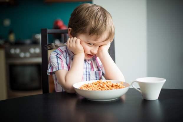 «Я это есть не буду»: как покормить маленькую вредину