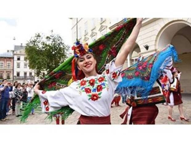 В мире прекрасного: О «расцвете» национальной культуры