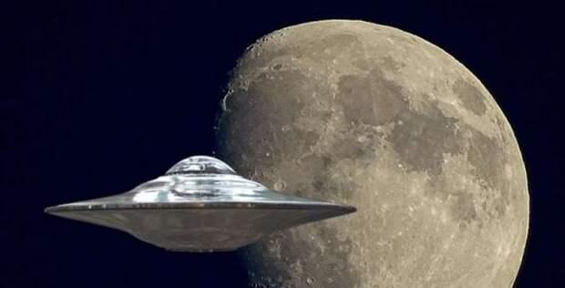 Инопланетный корабль снова пролетает возле Луны