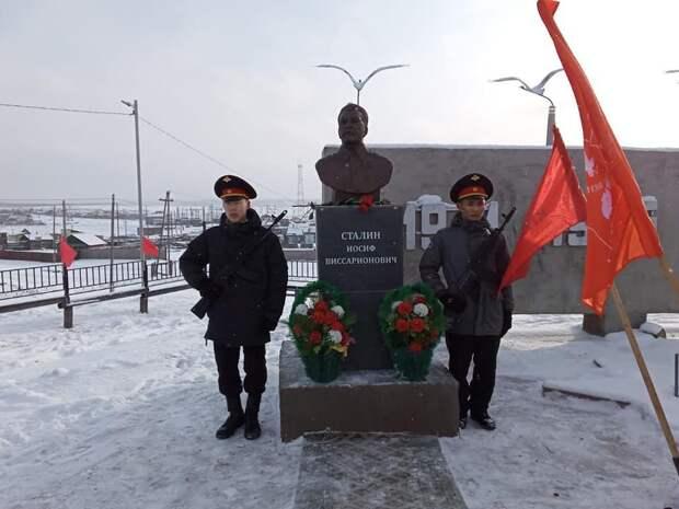 Живее всех живых. В Якутии установлен седьмой памятник Сталину