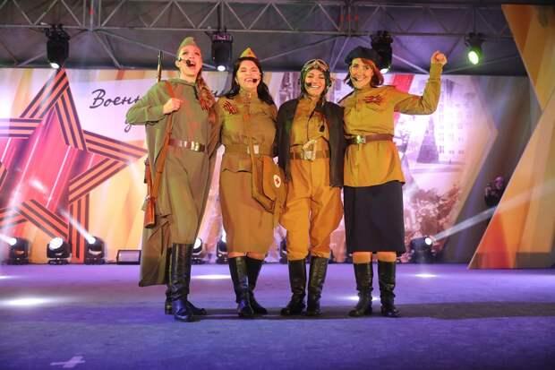 Вместе о главном: как в Нижнем Новгороде прошёл концерт «Военные песни у Кремля»