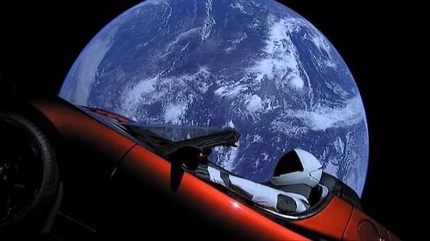 Илон Маск успешно запустил электромобиль в космос