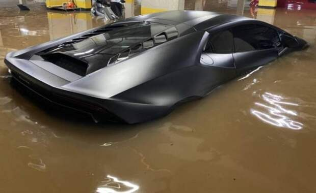 Утопленный Lamborghini