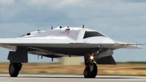 Серийные поставки беспилотника «Охотник» запланированы на 2025 год