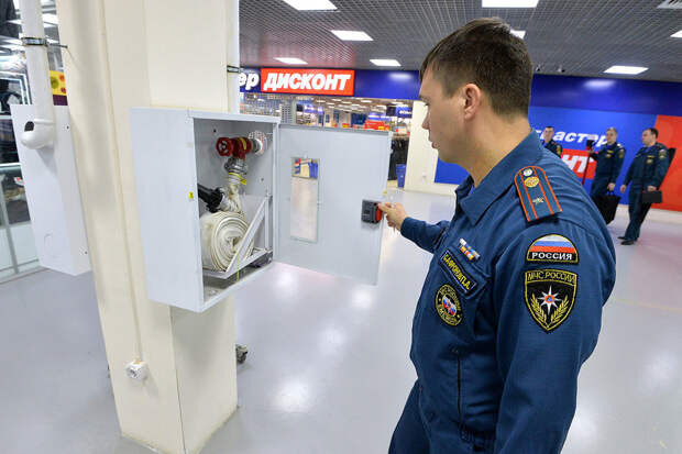Загоны смерти. Торговые центры Москвы годами игнорируют предписания МЧС