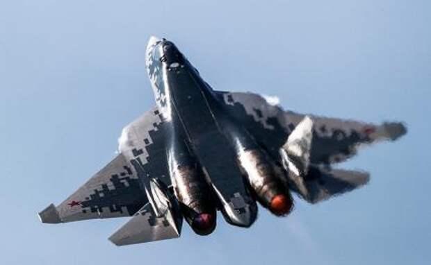 На фото: российский многофункциональный истребитель пятого поколения Су-57