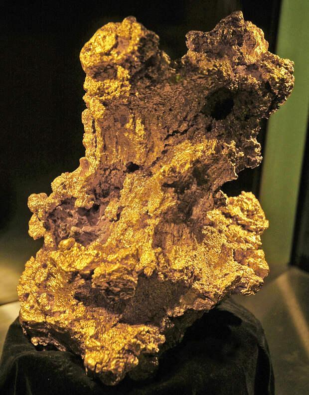 Золотая жила: самые крупные самородки в истории