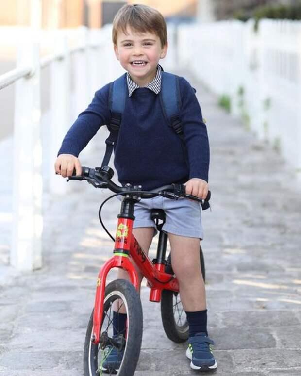 С днем рождения, принц Луи: Кейт Миддлтон и принц Уильям представили новый портрет сына
