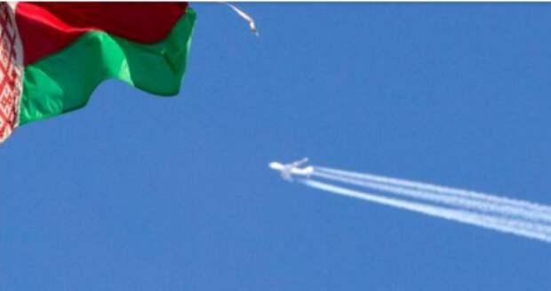 Флаг Белоруссии в Минске, 10 марта 2010 года. REUTERS/Vasily Fedosenko